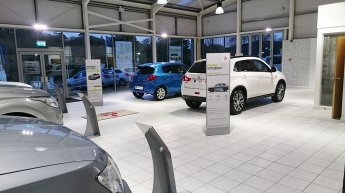 Showroom_POS_Stands1.jpg