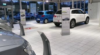 Showroom_POS_Stands3.jpg